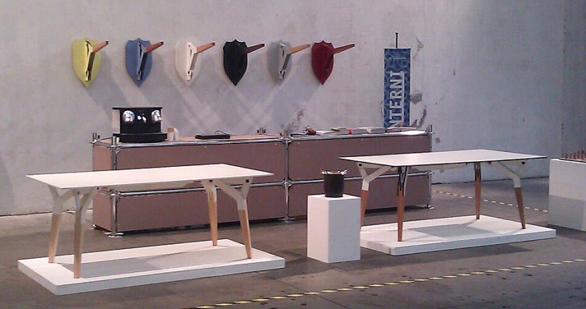 KATABA-table-@-exposition-Salone-del-Mobile-Milano-2012.jpg